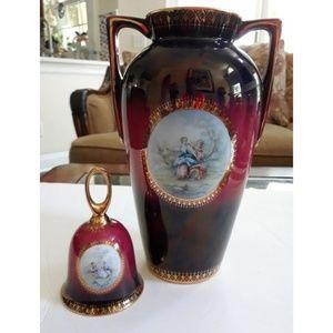 Porcelain vase & Matching bell